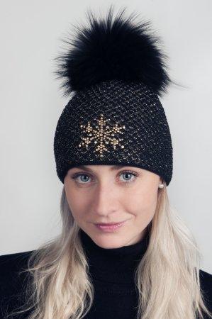 Černá dámská zimní pletená čepice s lesklou zlatou nitkou a s pravou kožešinovou odepínací bambulí v černé barvě