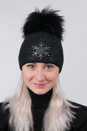 Černá dámská zimní pletená čepice s pravou kožešinovou odepínací bambulí a stříbrnou vločkou