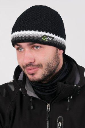 Černá  pánská zimní pletená čepice s výrazným bílým proužkem