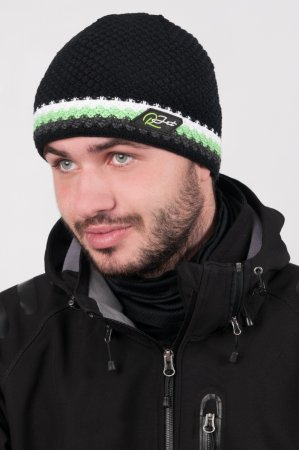 Černá  pánská zimní pletená čepice s výrazným zeleným proužkem