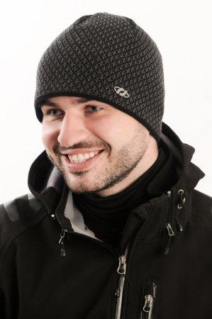 Černá pánská zimní pletená čepice s drobným žakárovým vzorem