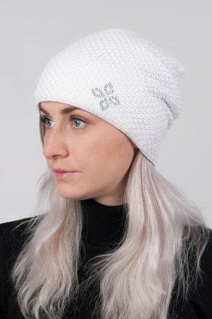Bílá dámská prodloužená zimní pletená čepice