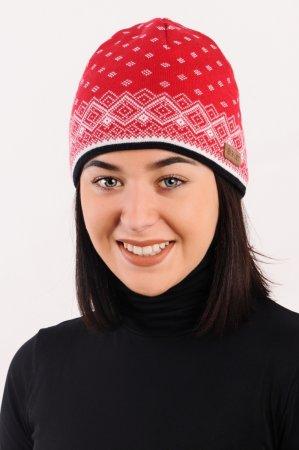 Červená dámská zimní pletená čepice s žakárovým vzorem