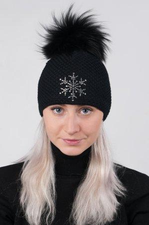 Černá dámská zimní pletená čepice s pravou kožešinovou odepínací bambulí v černé barvě