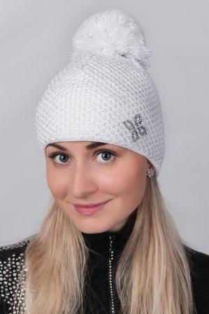Bílá dámská zimní pletená čepice se stříbrnou nitkou a s  bambulí