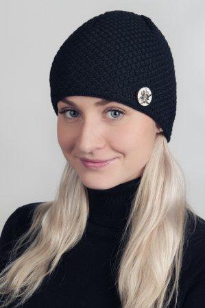 Černá dámská zimní pletená čepice s broží