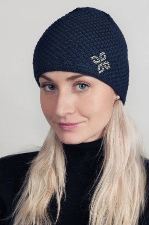 Černá dámská zimní pletená čepice s kamínky